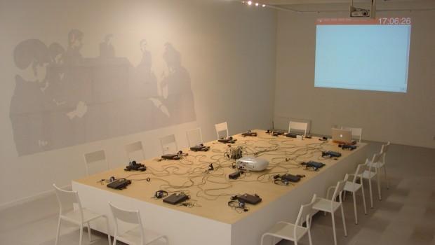 SIMULATION est un dispositif de discussion de groupe atypique, court-circuitant les hiérarchies et bousculant les règles habituelles de la discussion. Discussion du 31 mai 2012 – Arts et Restructurations :...